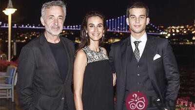 Mehmet Aslantuğ Ve Ailesi